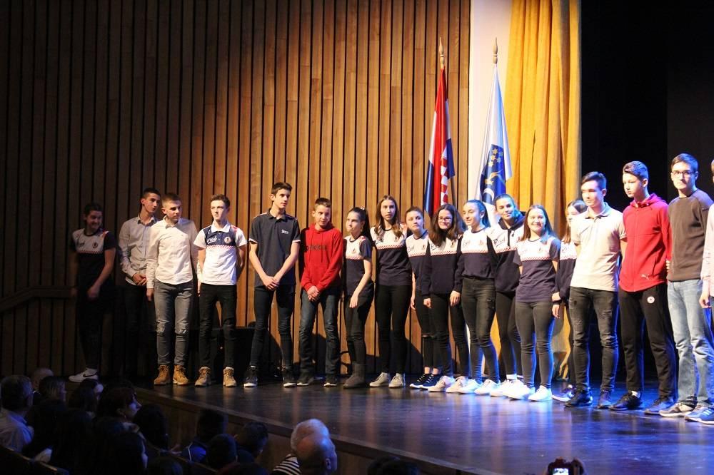 Dodijeljena priznanja najboljim sportašima, sportašicama i sportskim klubovima s područja grada u 2019. godini