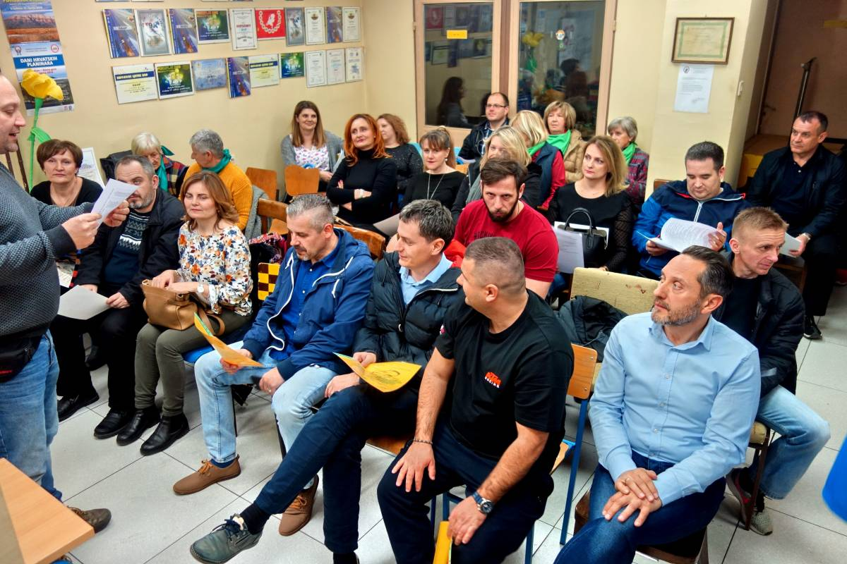 Završila planinarska škola u HPD Gojzerica Požega