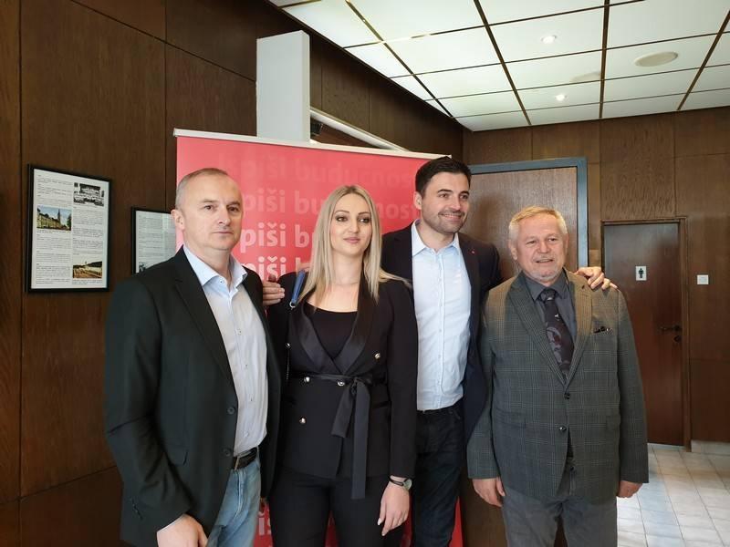 Davor Bernardić u Novoj Gradiški predstavio program SDP-a: osigurati red, stabilnost i bolji život