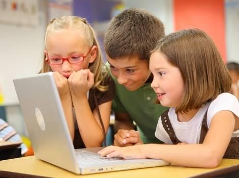Internetom se među mladima širi opasni trend, a širi se i nasilje
