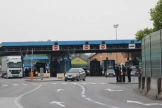 Migrant otkriven u prtljažniku autobusa na graničnom prijelazu u Brodu