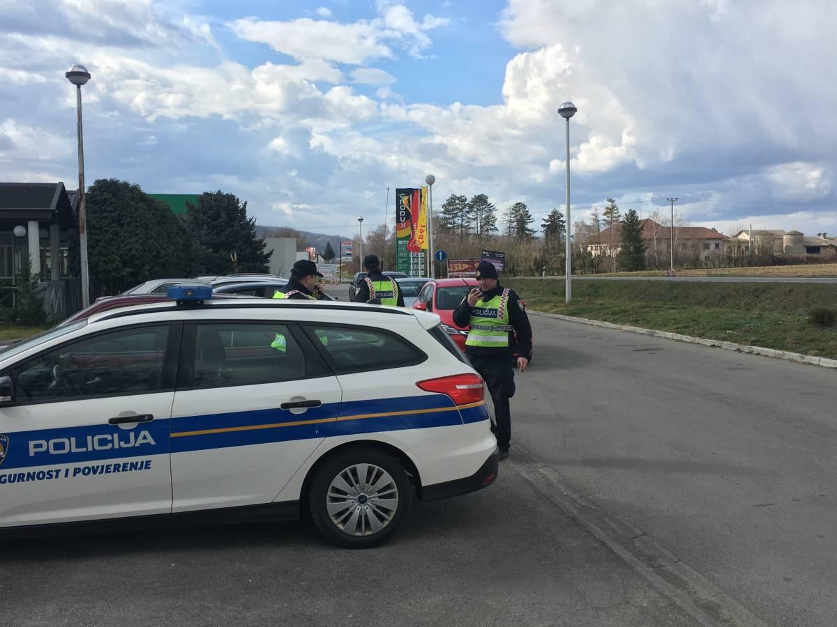 U tijeku policijska akcija na izlazu iz Požege. Provjerava se sve; od goriva, tereta i tehničke ispravnosti vozila