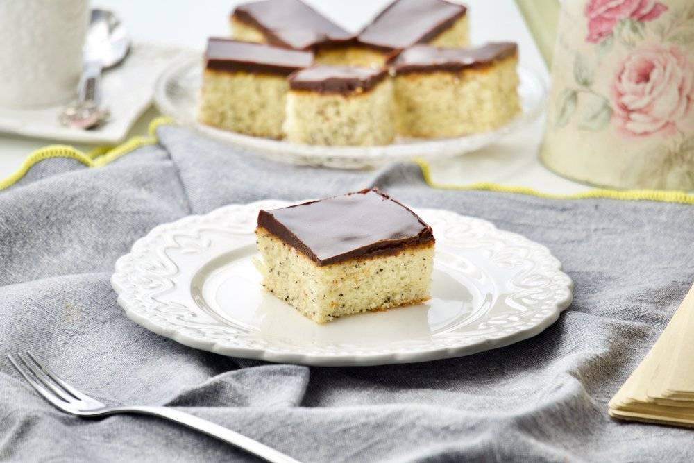 Kolač sa makom – jednostavan biskvitni kolač za svaki dan