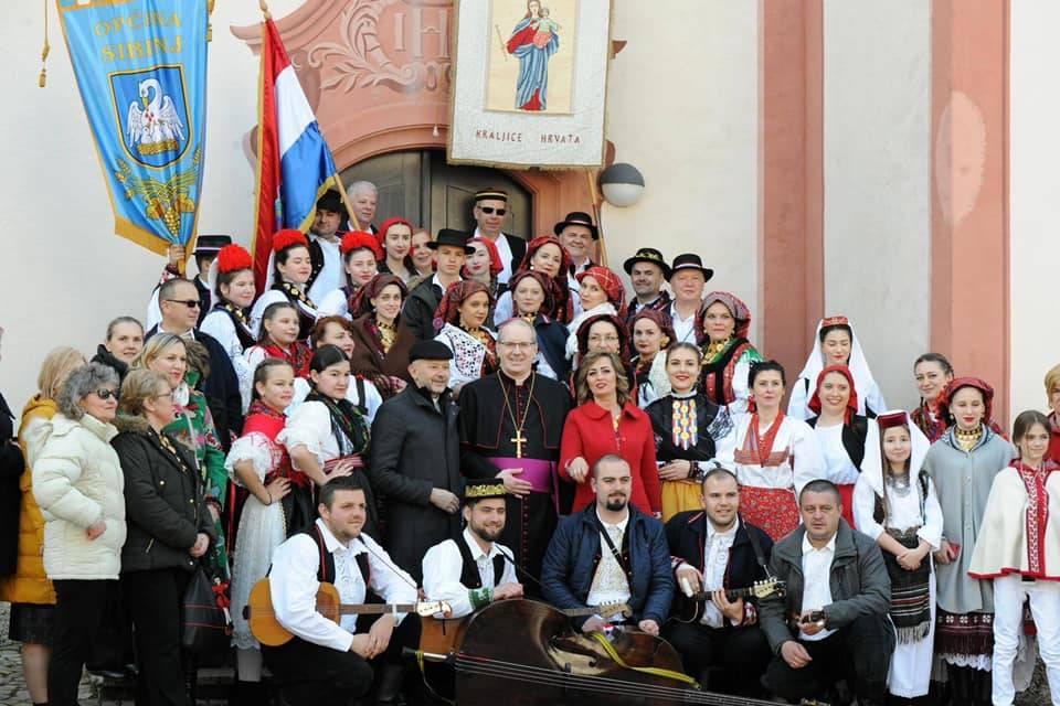 """Članovi KUD-a """"Tomislav"""" iz Sibinja u trodnevnom posjetu kod Hrvatske katoličke misije u Njemačkoj"""