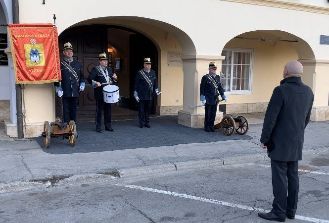 Gradska straža Požega podnijela prijavak gradonačelniku Grada Požege povodom Grgureva