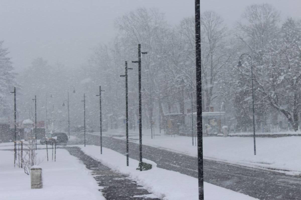 Uživajte u prizorima prave zimske idile i OSTANITE DOMA!!!