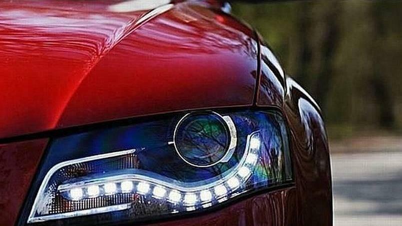 Pogledajte od kada možete u dnevnim uvjetima isključiti svjetla na automobilu