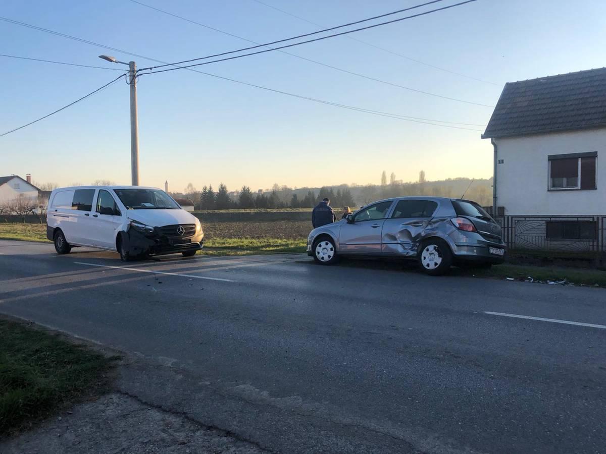 Prometna nesreća u Gradcu između teretnog i osobnog automobila, jedna osoba prevezena u OŽB Požega