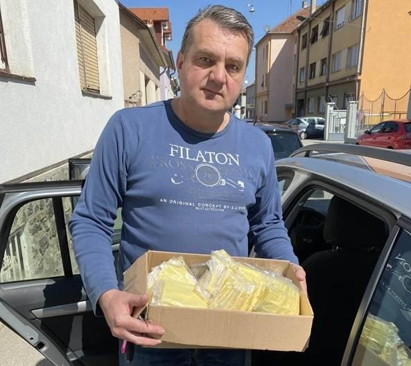 Caritas Požeške biskupije je darovao platnene maske Policijskoj upravi Požeško-slavonskoj
