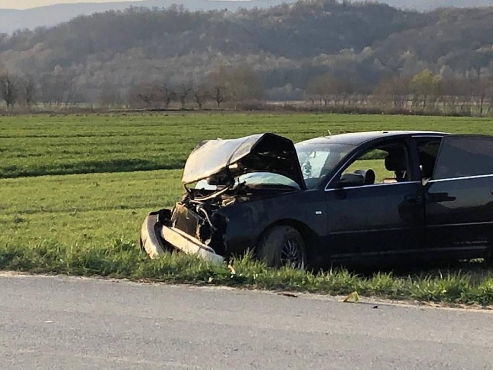 PROMETNA U KNEŽCIMA: Izlaskom iz zavoja izgubio nadzor nad vozilom te sletio s ceste