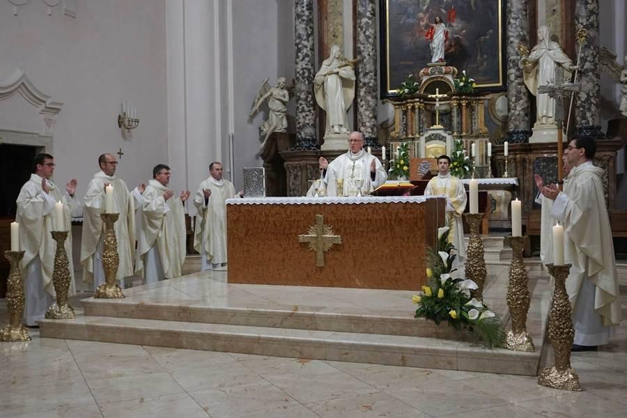 Druga uskrsna nedjelja u Požeškoj katedrali
