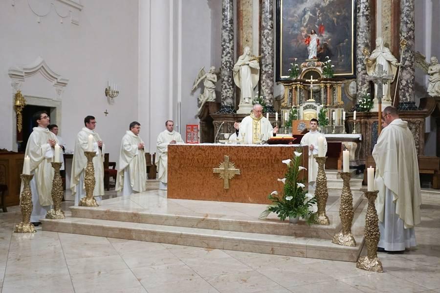 Nedjelja Dobrog Pastira u požeškoj Katedrali