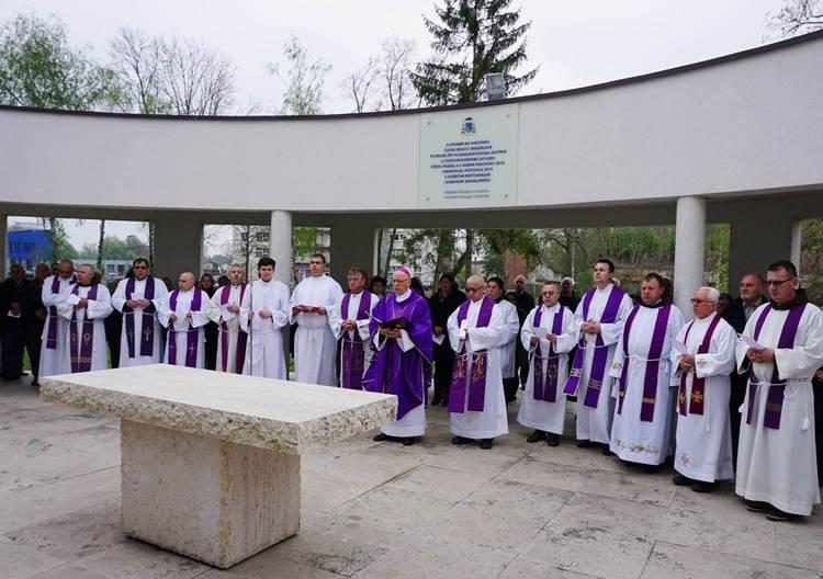 Biskup Škvorčević pozvao na molitvu prigodom 75. obljetnice završetka II. svjetskog rata