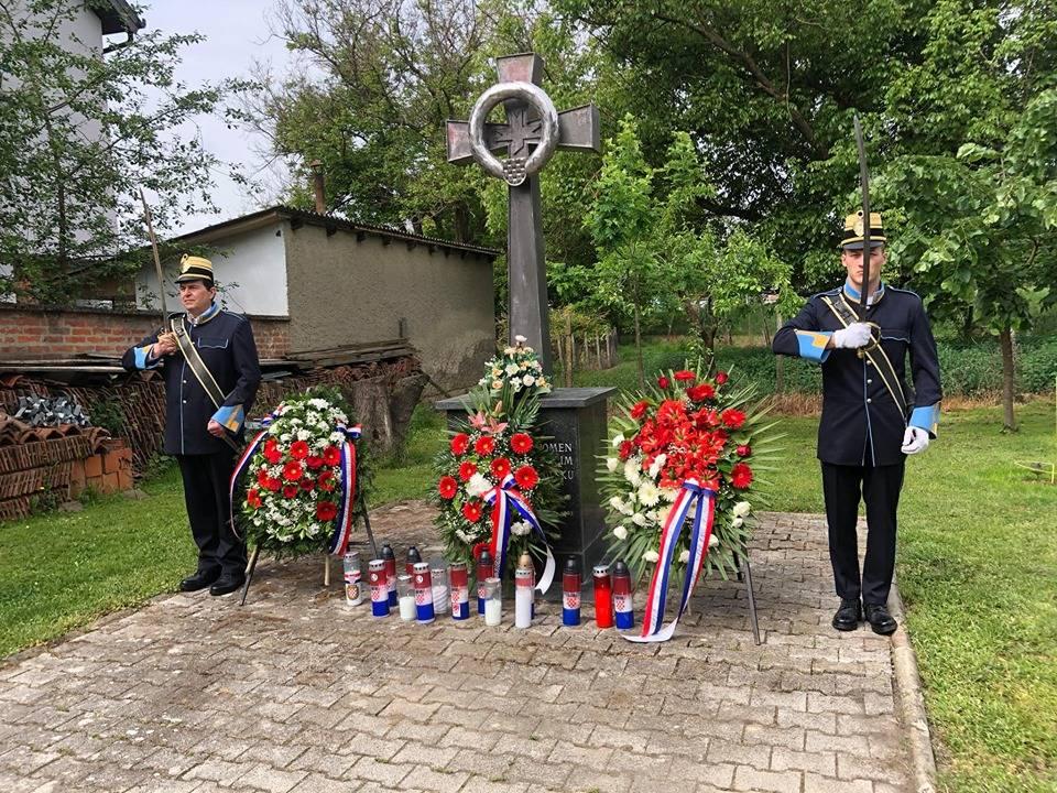 Povodom 75. godišnjice Bleiburške tragedije položeni vijenci kod Domobranskog križa u Požegi