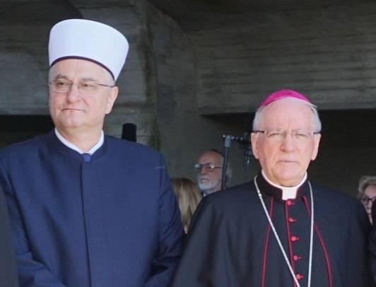Biskup Škvorčević čestitao muslimanima Ramazanski bajram
