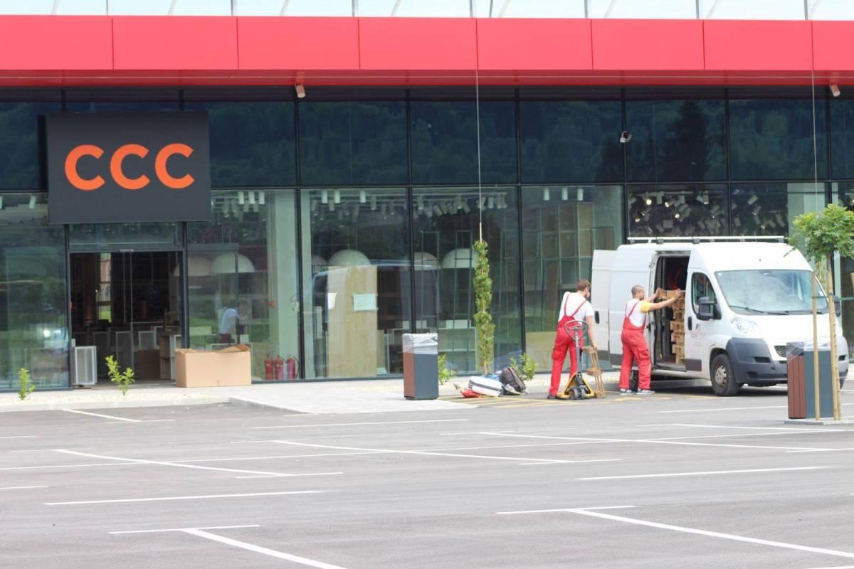 Otvorenje sve bliže, pune se police trgovina u požeškom shopping centru ʺSupernovaʺ