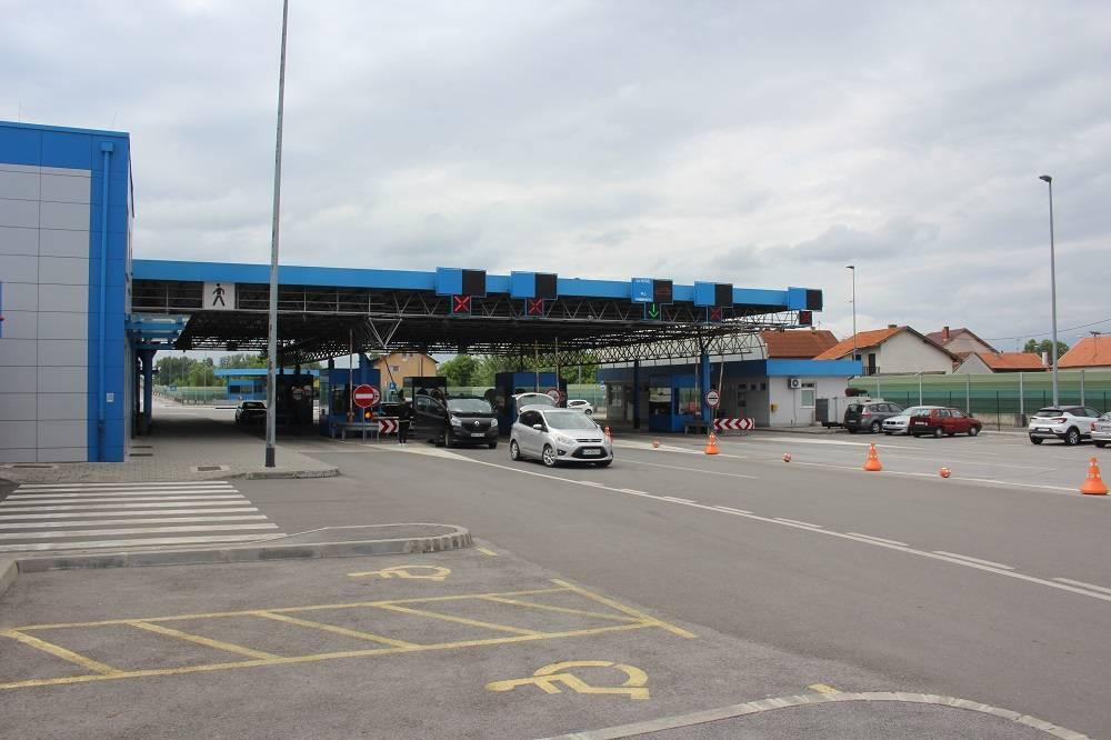 Slavonci krenuli u kupovinu u Srbiju, evo kakvo je stanje na granici s BiH u Slavonskom Brodu
