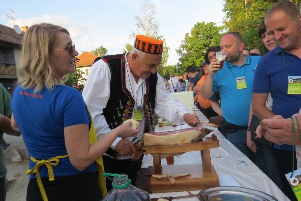 Najduži stol u Velikoj otkazan do iduće godine, Festival Graševine odgođen za rujan