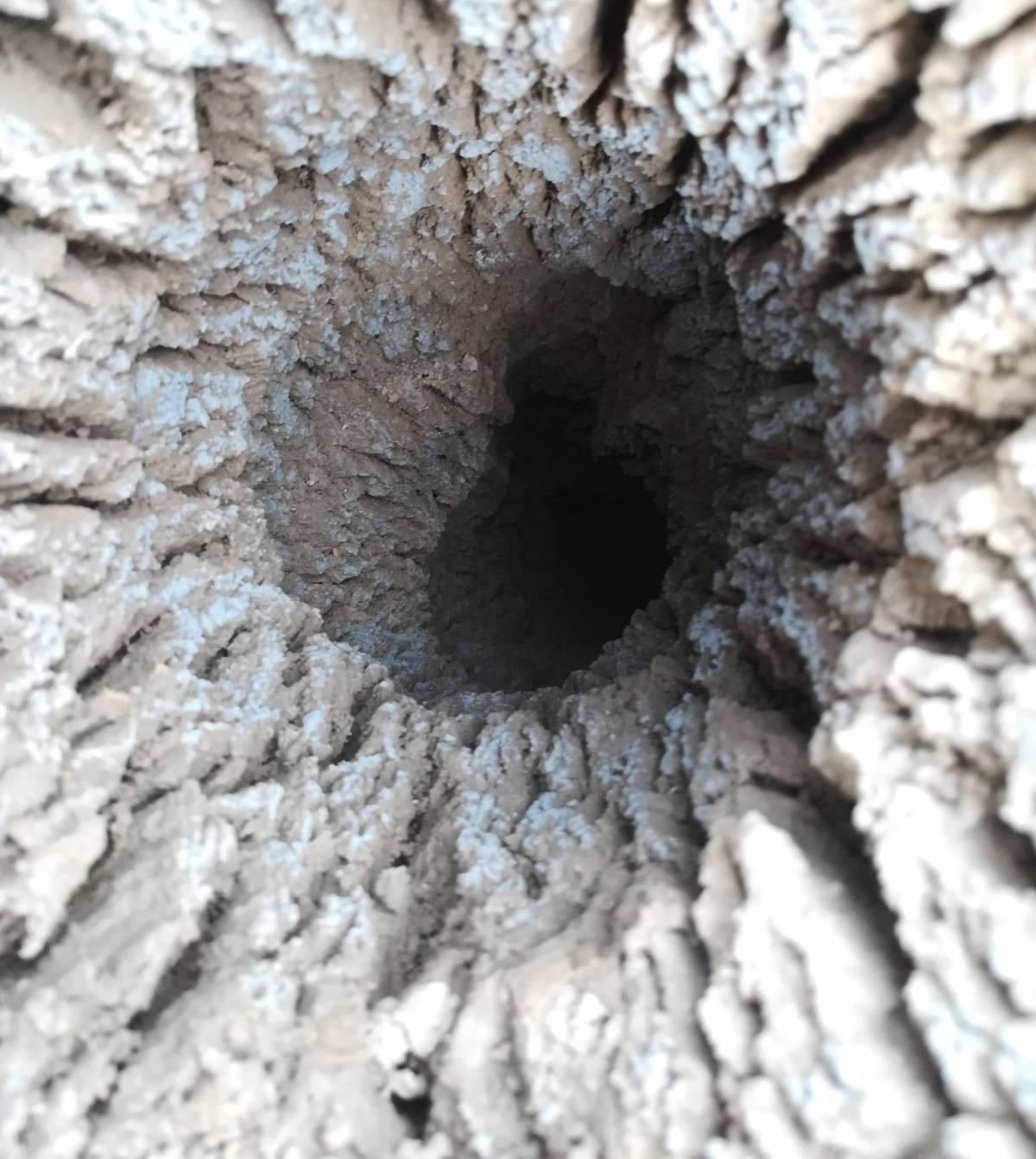 Munja na polju u Slavoniji napravila rupu od pet metara