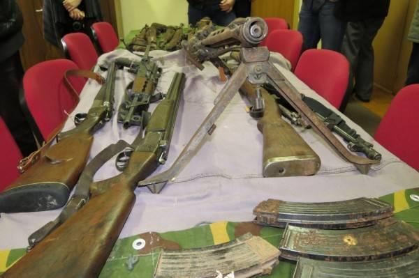 Dragovoljno predali oružje, streljivo i eksplozivna sredstva