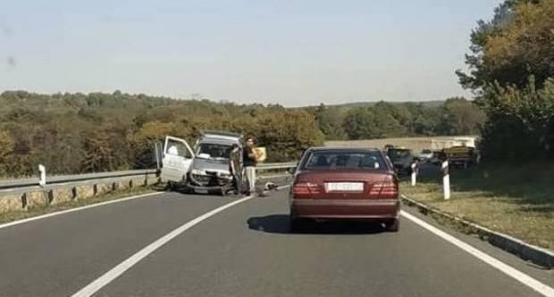 PROMETNA NESREĆA NA A3: Prednjim dijelom vozila udario u stražnji dio vozila grčkih nacionalnih oznaka