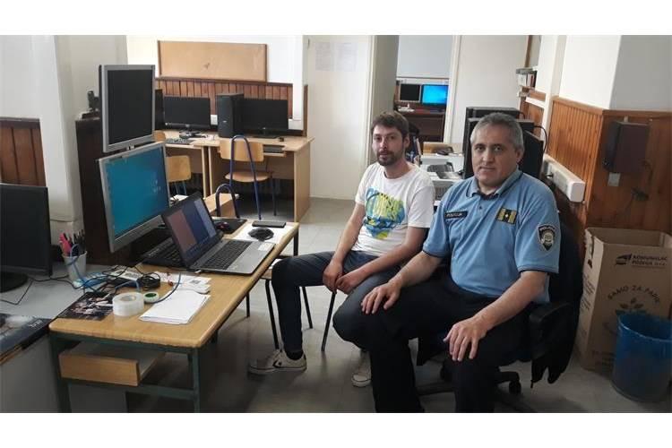 """Požeški policijski službenici održali online predavanje """"Sigurno korištenje interneta"""""""