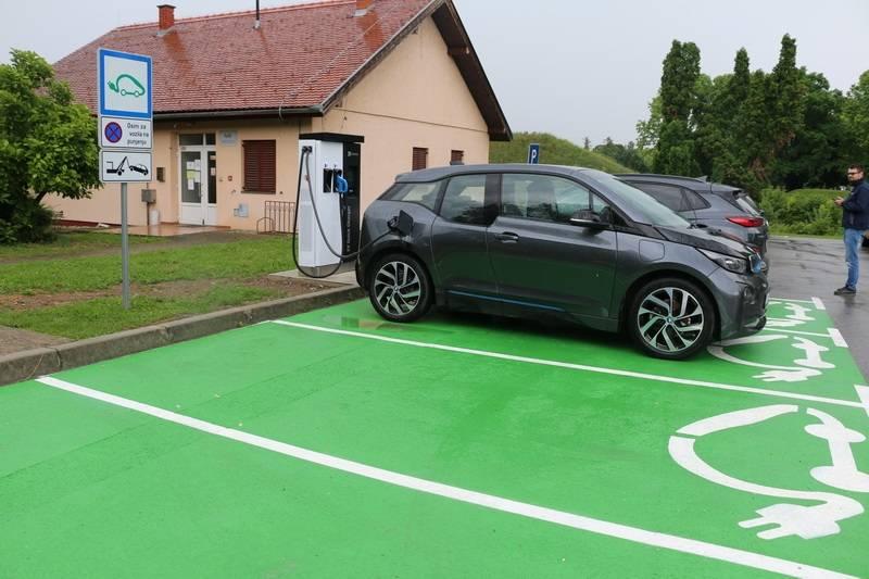 Brza punionica vozila na električnu energiju u gradu Slavonskom Brodu