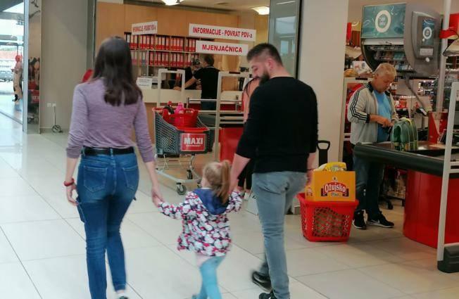SLAVONCI JEDVA DOČEKALI KUPOVINU U BiH: Zbog ʺzatvaranjaʺ milijuni kuna ostali su u Hrvatskoj