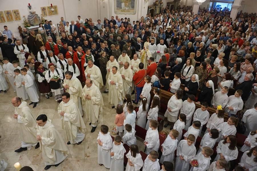Svetkovina Presvetog Tijela i Krvi Kristove u požeškoj Katedrali