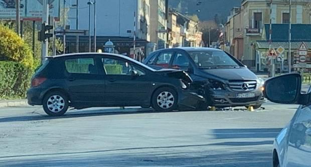 U prometnoj nesreći u Garčinu teško ozlijeđen 67-godišnjak