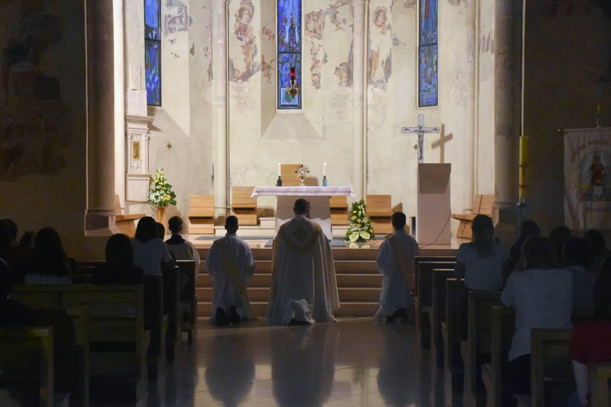 Bdijenje uoči prezbiterskog ređenja u Požegi