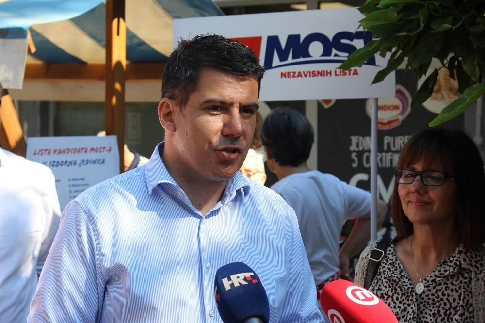 NIKOLA GRMOJA IZ SLAVONSKOG BRODA: ʺUvjeren sam da vrijeme MOST-a i neke nove Hrvatske dolaziʺ