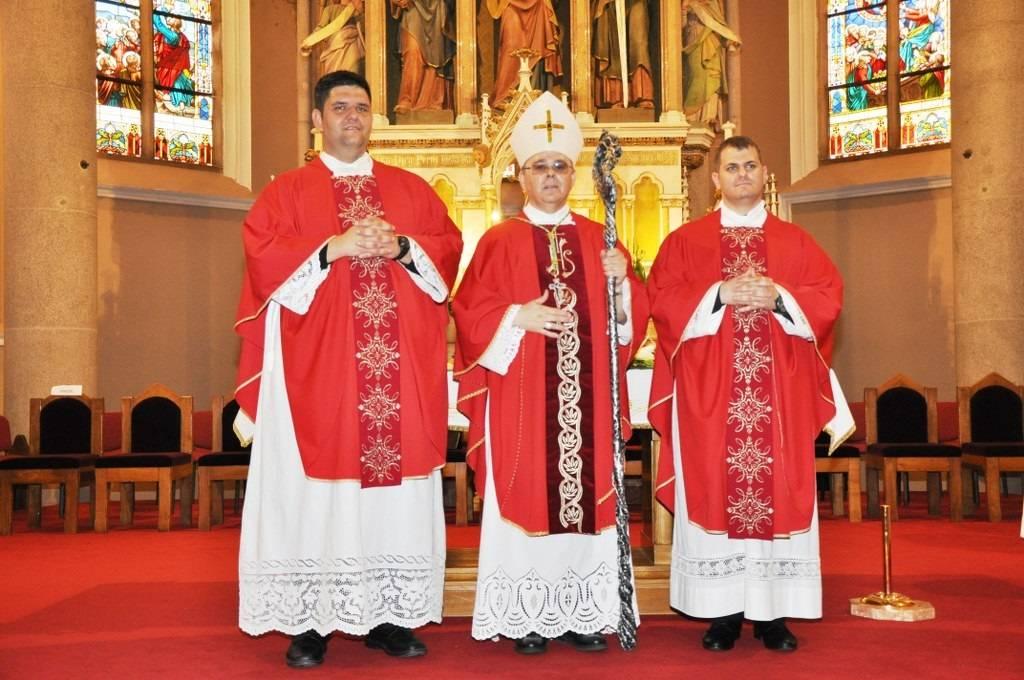 Za svećenika danas zaređen Brođanin Matija Aušić