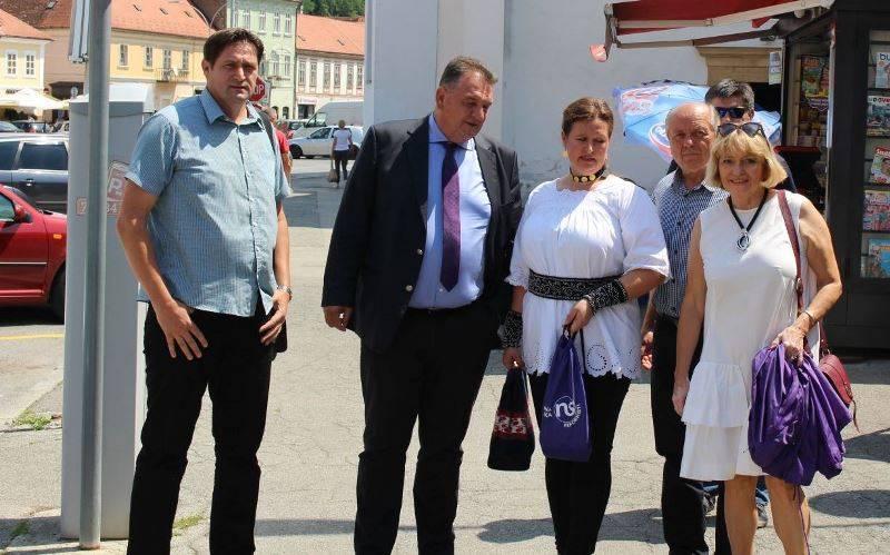 Nositelj liste Predrag Livak smatra da se poticaji trebaju isplaćivati po referentnom prinosu, a mlade poljoprivrednike osloboditi doprinosa i poreza u prvim godinama poslovanja