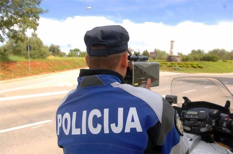OPREZ: Policija u nedjelju vrši nadzor nad mopedistima i motociklistima