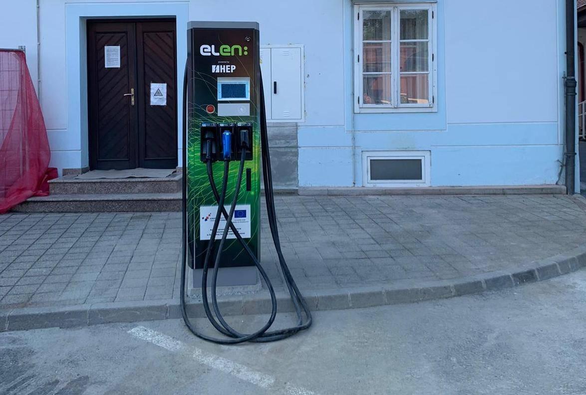 Treća punionica električnih vozila otvorena u Požegi