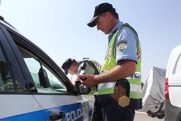 Jedan građanin dobio kaznu jer policijski službenik nije znao da je zbog koronavirusa došlo do izmjene Zakona