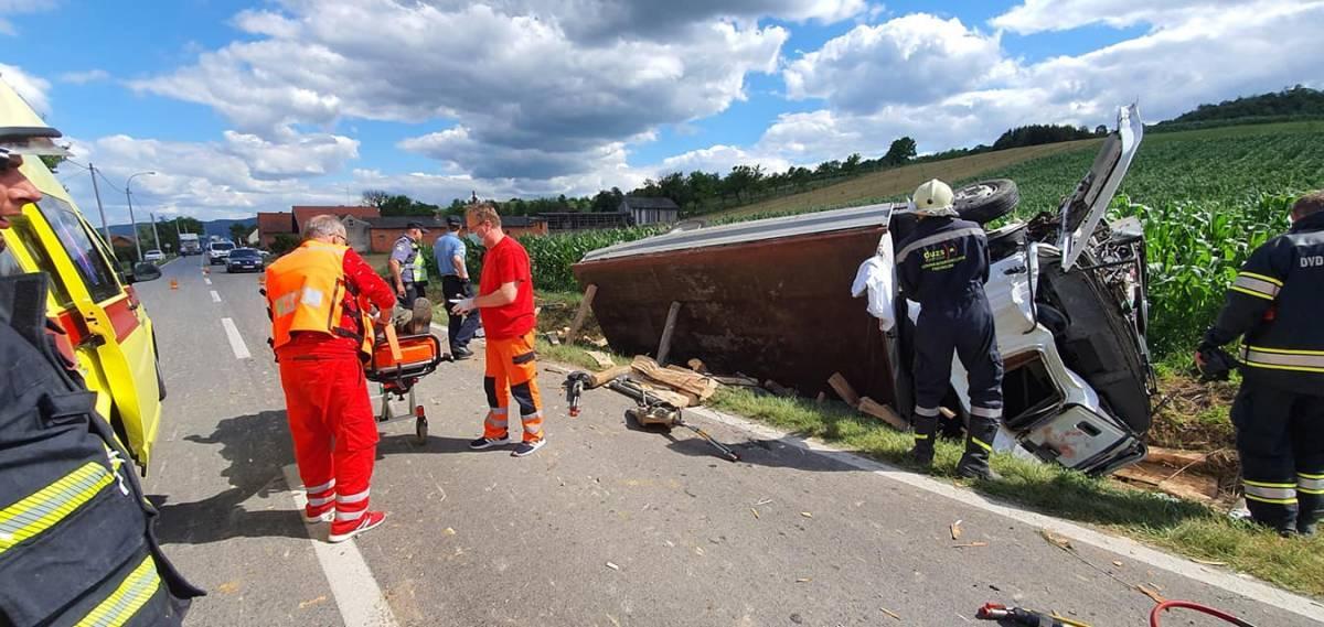 U jučerašnjem slijetanju kamiona 61-godišnji vozač teško ozlijeđen