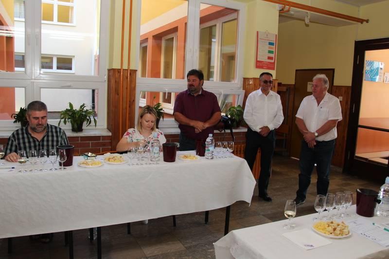 Na 13. Županijsko ocjenjivanje vina Vino-kap Kaptol pristiglo 80 uzoraka
