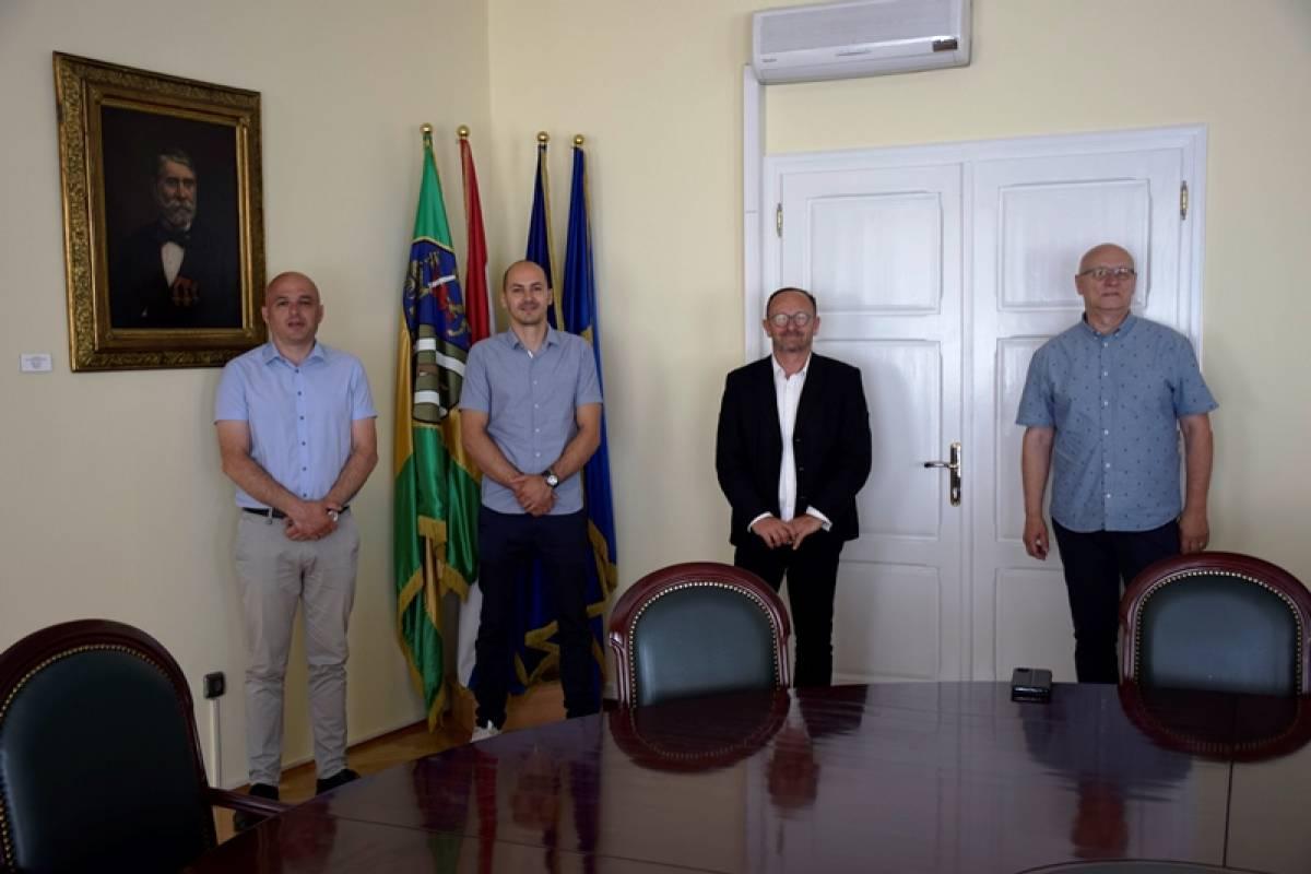 Predsjednik Hrvatskog gimnastičkog saveza Marijo Možnik posjetio Požegu