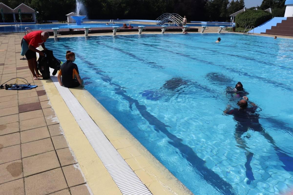 Požeški ronioci demonstrirali ronjenje posjetiteljima lipičkih bazena