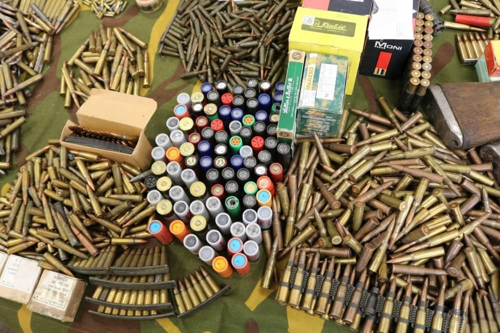 BROĐANIN U PLETERNICI U AKCIJI: Ne samo da ne poštuje kretanje, nego ima i 2,1 promila, a uz to sve i oružje s streljivom