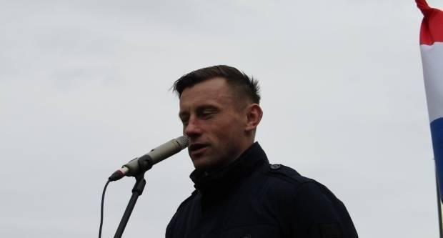 ʺIdem na Euro! Zastava u jednu ruku, piva u drugu i među svoje!ʺ, izjavio je Olić kada je Marsa ostala u 1. HNL