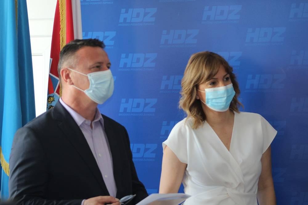 Slavonski  HDZ-ovci na temu 22 milijarde eura od EU održali konferenciju za medije