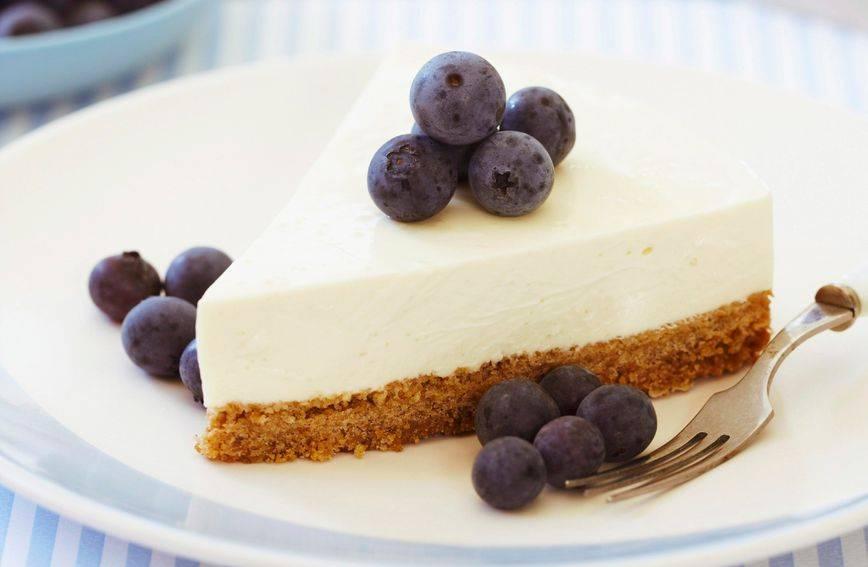Cheesecake s borovnicama: Recept za prefinu tortu sa sirom koja se ne peče