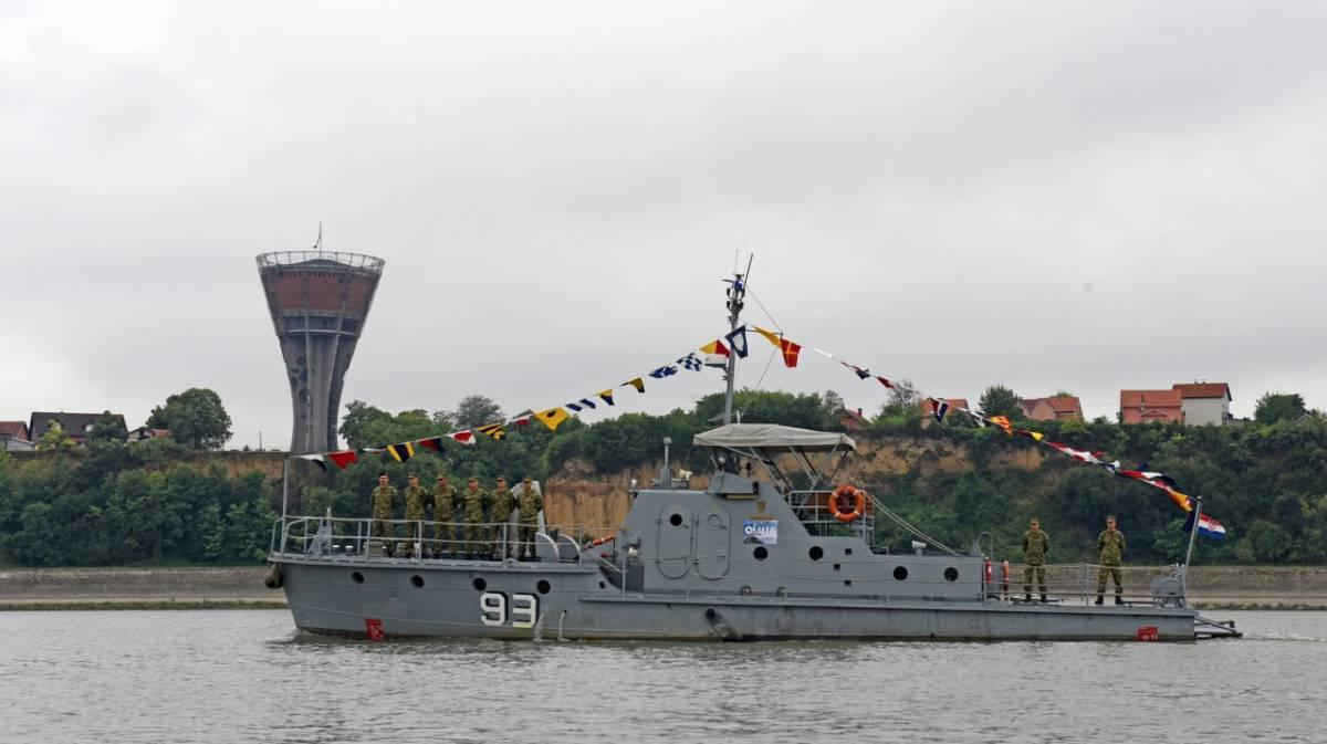 Počasna plovidba broda Šokadija od Osijeka do Vukovara