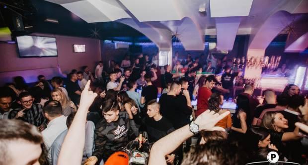 18-godišnji Hrvat dobio koronu nakon izlaska u klub, epidemiolog upozorava: Mladi se ne drže mjera