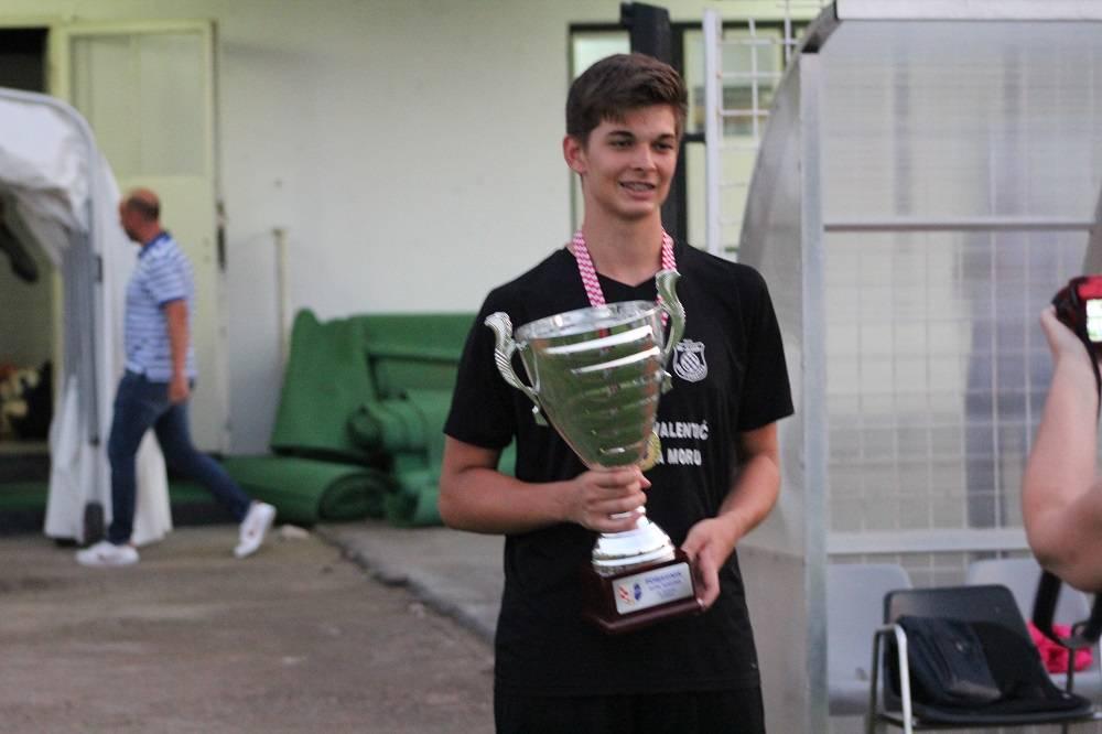 Sloga nakon jedanaesteraca u Slavonskom Brodu odnijela naslov prvaka kupa BPŽ, junak utakmice mladi golman Lovro