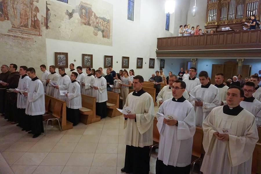 Molitveno bdijenje u požeškoj ckrvi sv. Lovre