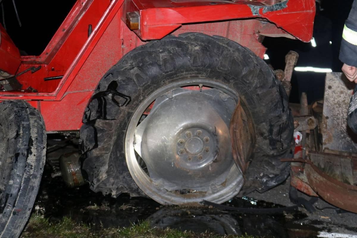 Sletio s ceste poljoprivrednim traktorom u Jakšiću